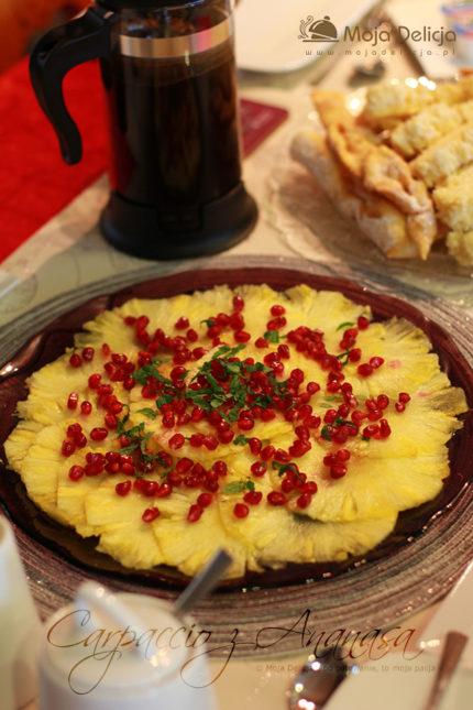 Carpaccio z Ananasa z granatem, miętą i solą waniliową