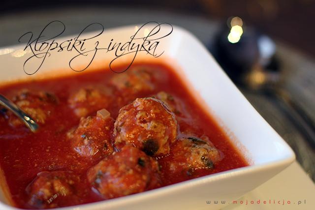 Klopsiki z indyka w pikantnym sosie pomidorowym