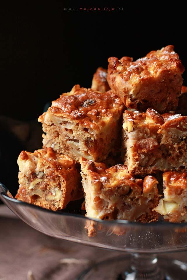 Proste ciasto jabłkowo-orzechowe bez tłuszczu - ciasto włoskie, ciasto wiewiórka