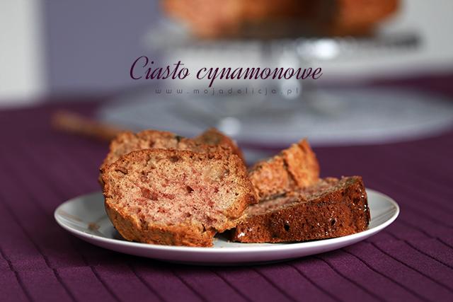 Ciasto cynamonowe z domowym musem jabłkowym