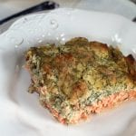 Piracka ryba, czyli łosoś pod pierzynką ze śmietany, kopru, chrzanu i musztardy. Przepis Magdy Gessler z programy Kuchenne Rewolucje