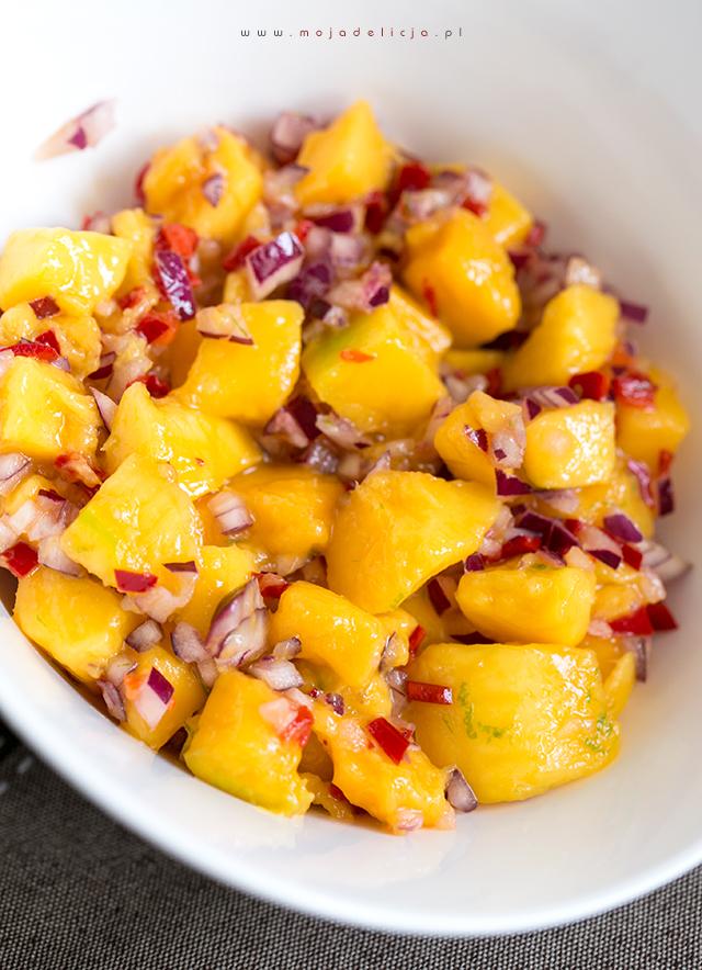 salsa-z-mango-chilli-i-cebulki-czerwonej,-soczysta-salatka-z-mango-do-obiadu2