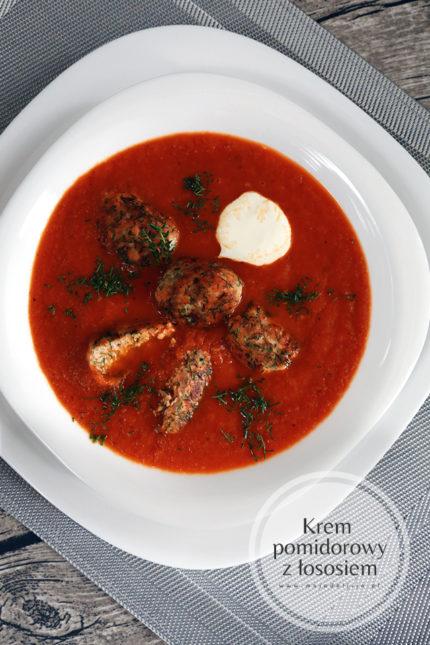 Pomidorowy krem z pulpetami z łososia