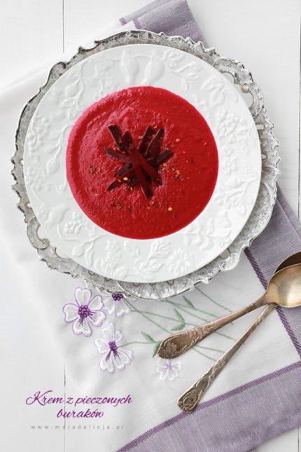 Zupa krem z pieczonych buraków z mlekiem kokosowym