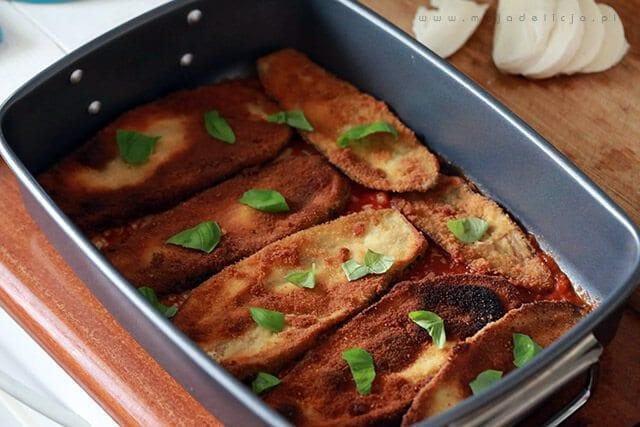 przygotowanie-wegetarianskiej-lazanii-zapiekanki-z-baklazana-1