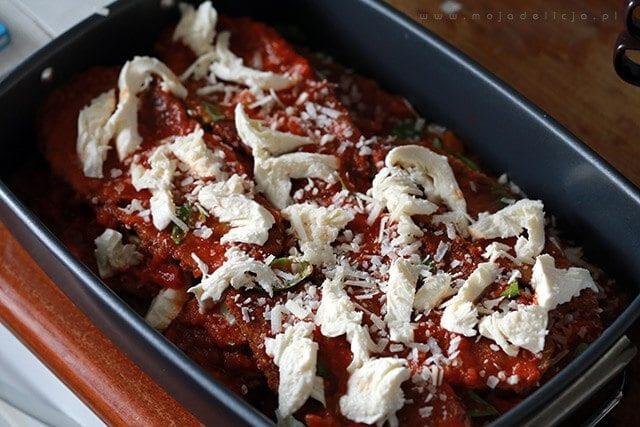 przygotowanie-wegetarianskiej-lazanii-zapiekanki-z-baklazana-3