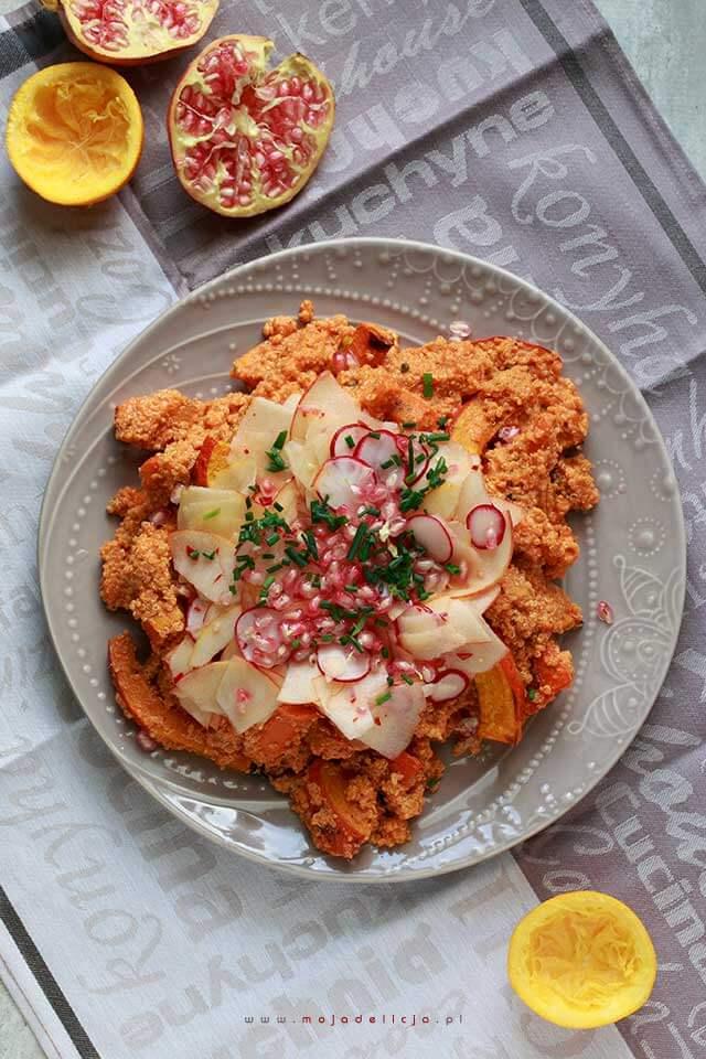3salatka-z-kasza-quinoa-z-pieczona-dynia-i-marchewka