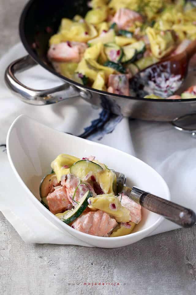 tortelini-w-sosie-z-cukinia-i-lososiem3