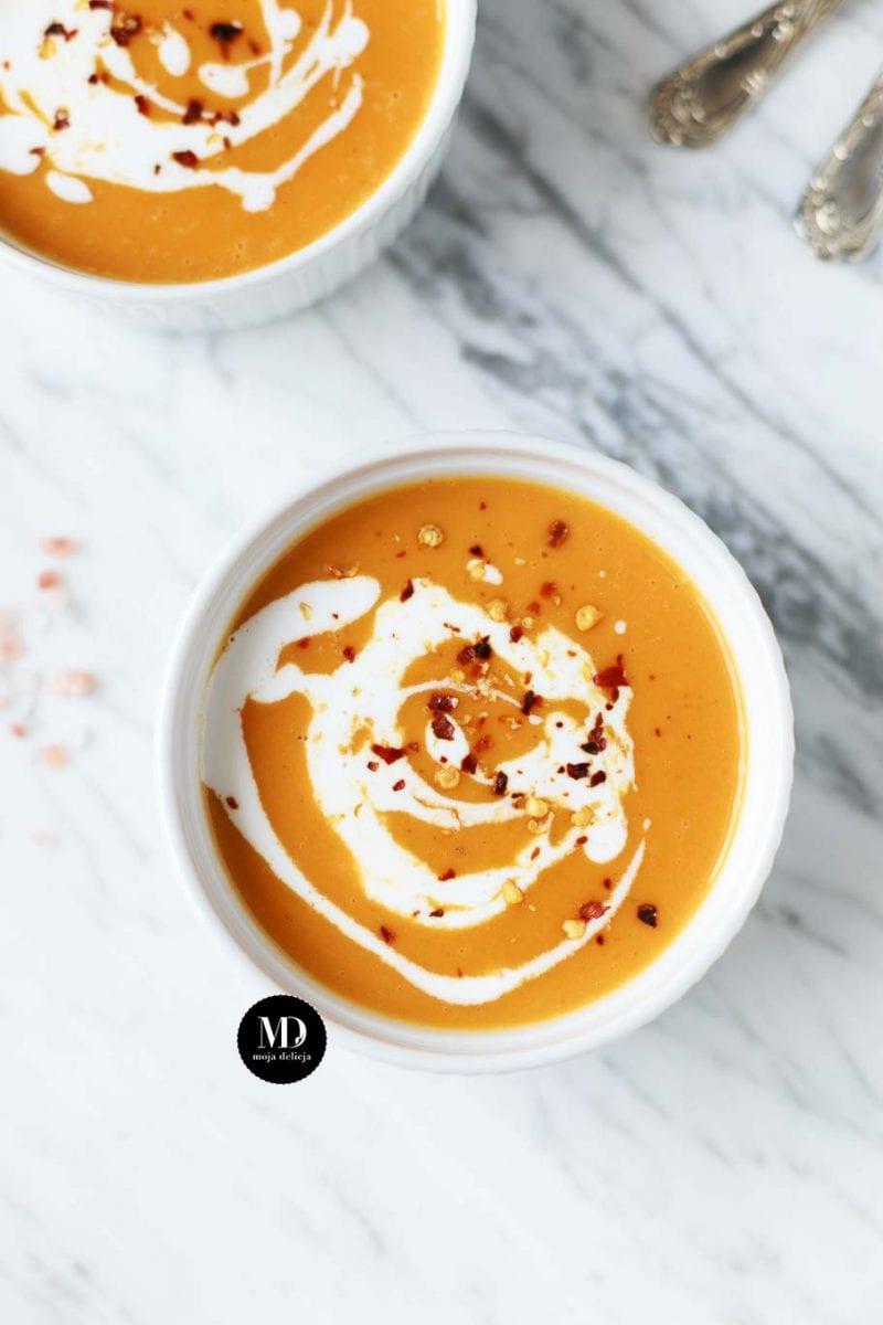 Zupa z pieczonych batatów,