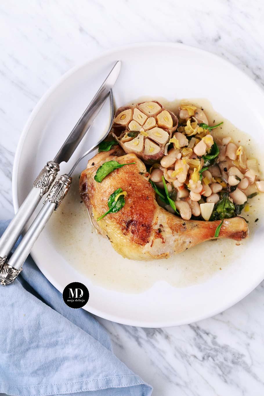 Kurczak pieczony z fasolą, porem i szpinakiem
