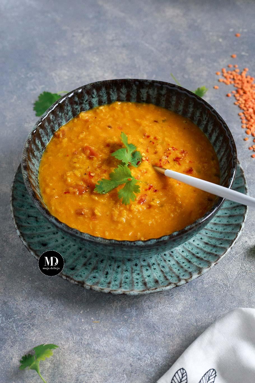 Dal z pomidorami - Gęsta zupa z soczewicy z pomidorami