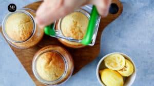 Ciasto w słoiku - Ciasto cytrynowe pieczone w słoiku - Wyjąć z pieca